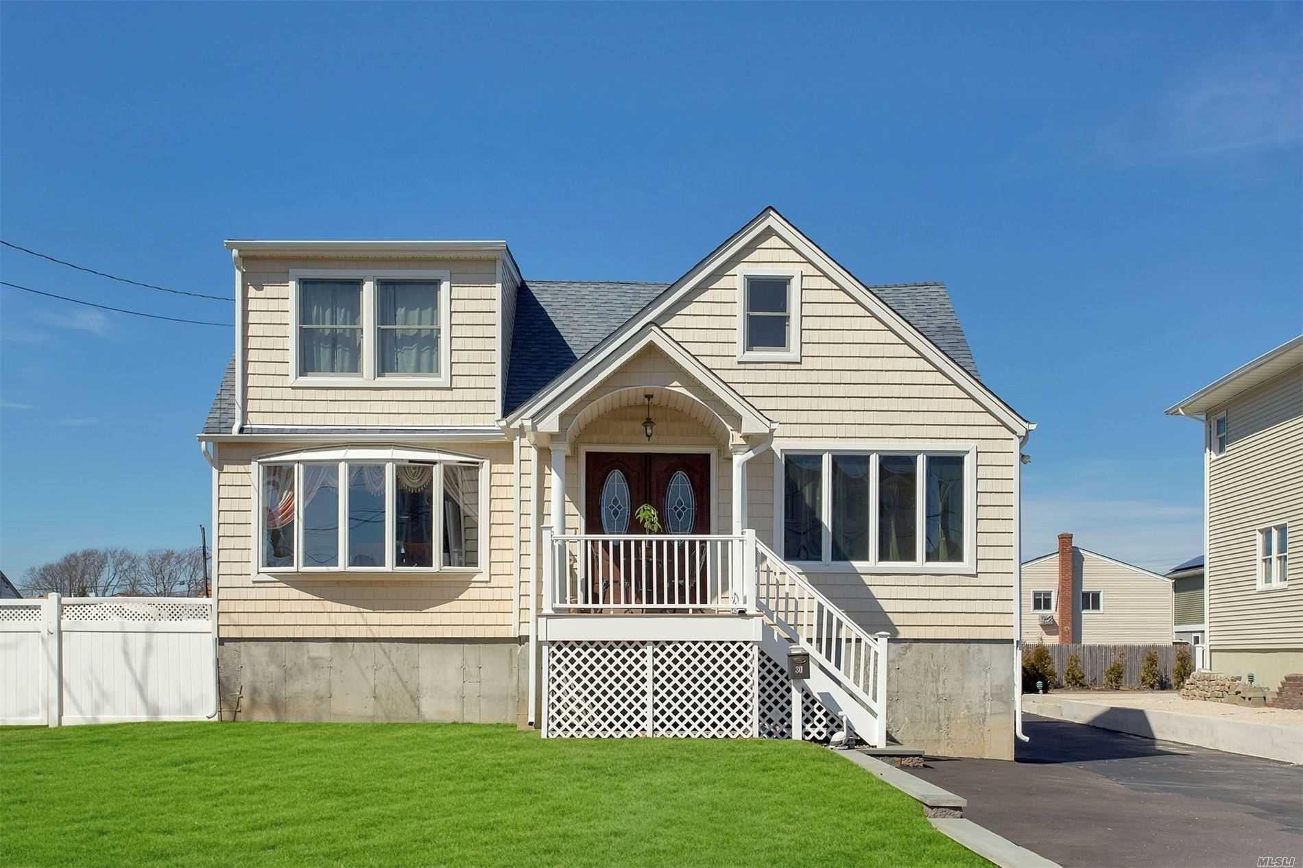 30 E Beach Promenade, Lindenhurst, NY 11757 - MLS#: 3234723