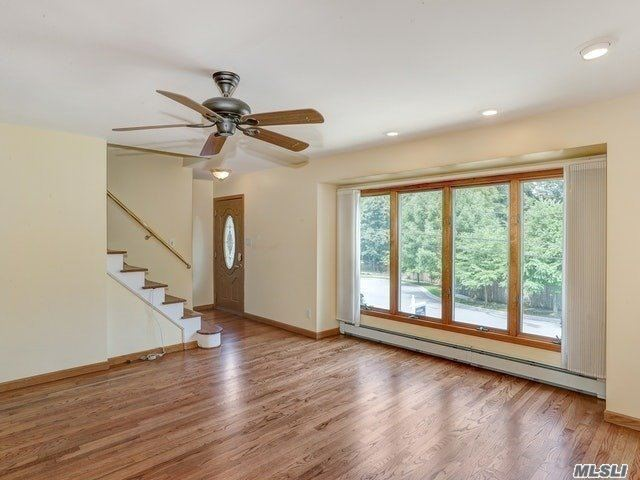 Photo of 18 Gailview Drive, Oyster Bay, NY 11771 (MLS # 3236724)