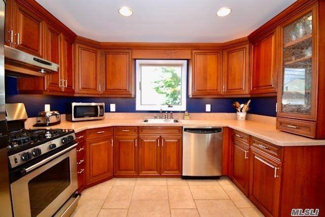 833 S 5th Street, Lindenhurst, NY 11757 - MLS#: 3165725