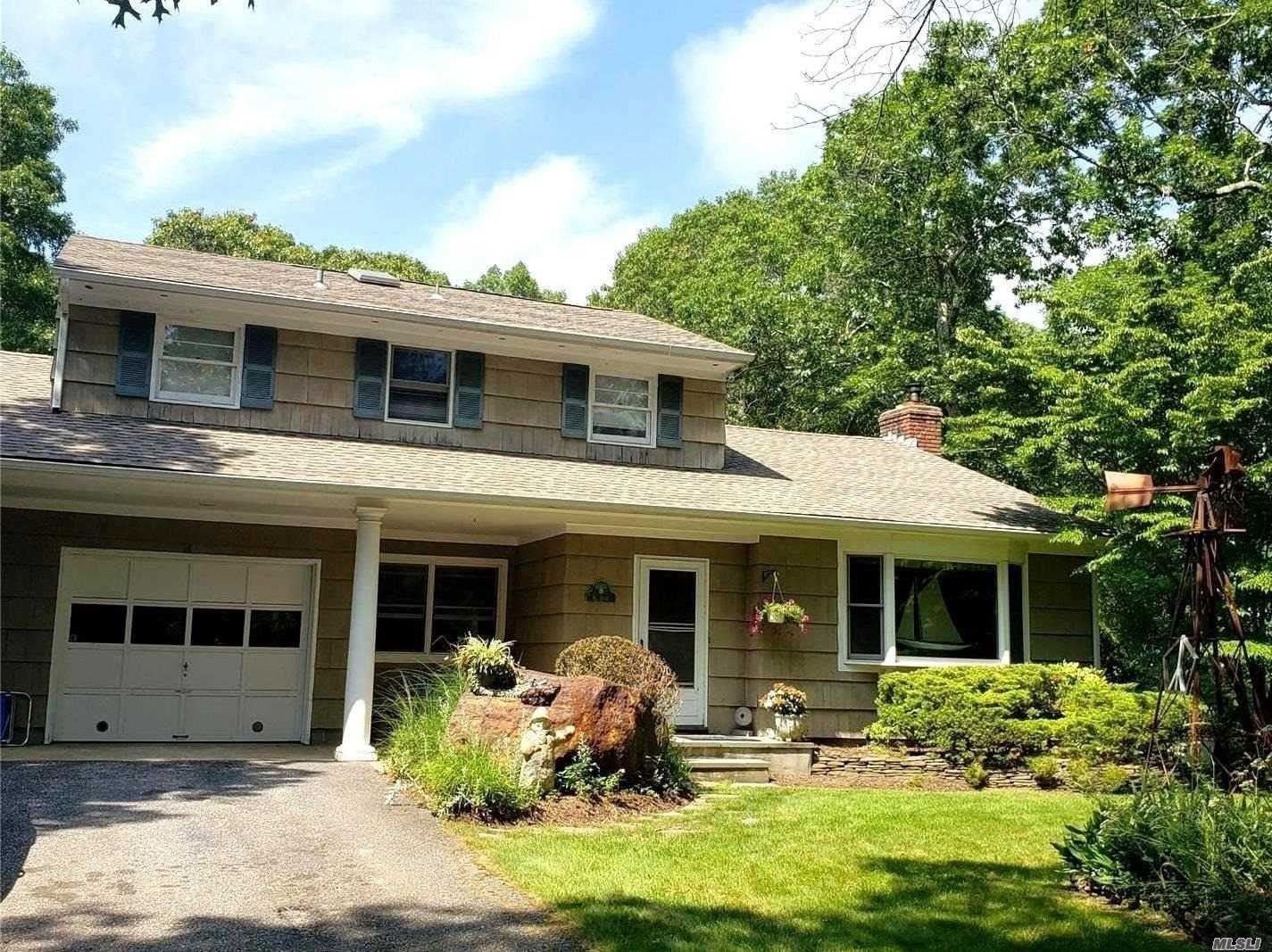 74 Eisenhower Dr, East Quogue, NY 11942 - MLS#: 3236725