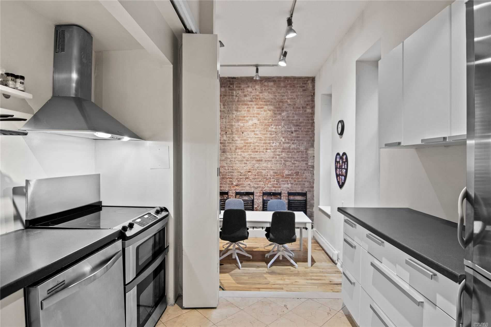 23 Waverly Place #2Z, New York, NY 10003 - MLS#: 3237725