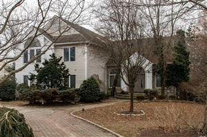 Photo of 7 Bluffview Ct, Miller Place, NY 11764 (MLS # 3095728)