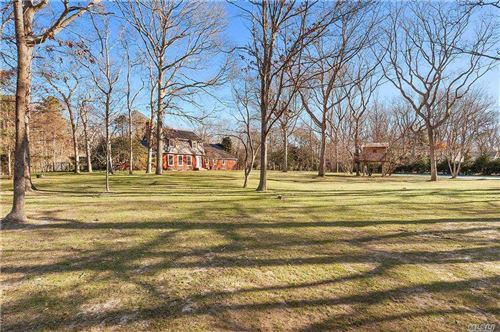 Photo of 26 Squires Path, East Hampton, NY 11937 (MLS # 3283731)