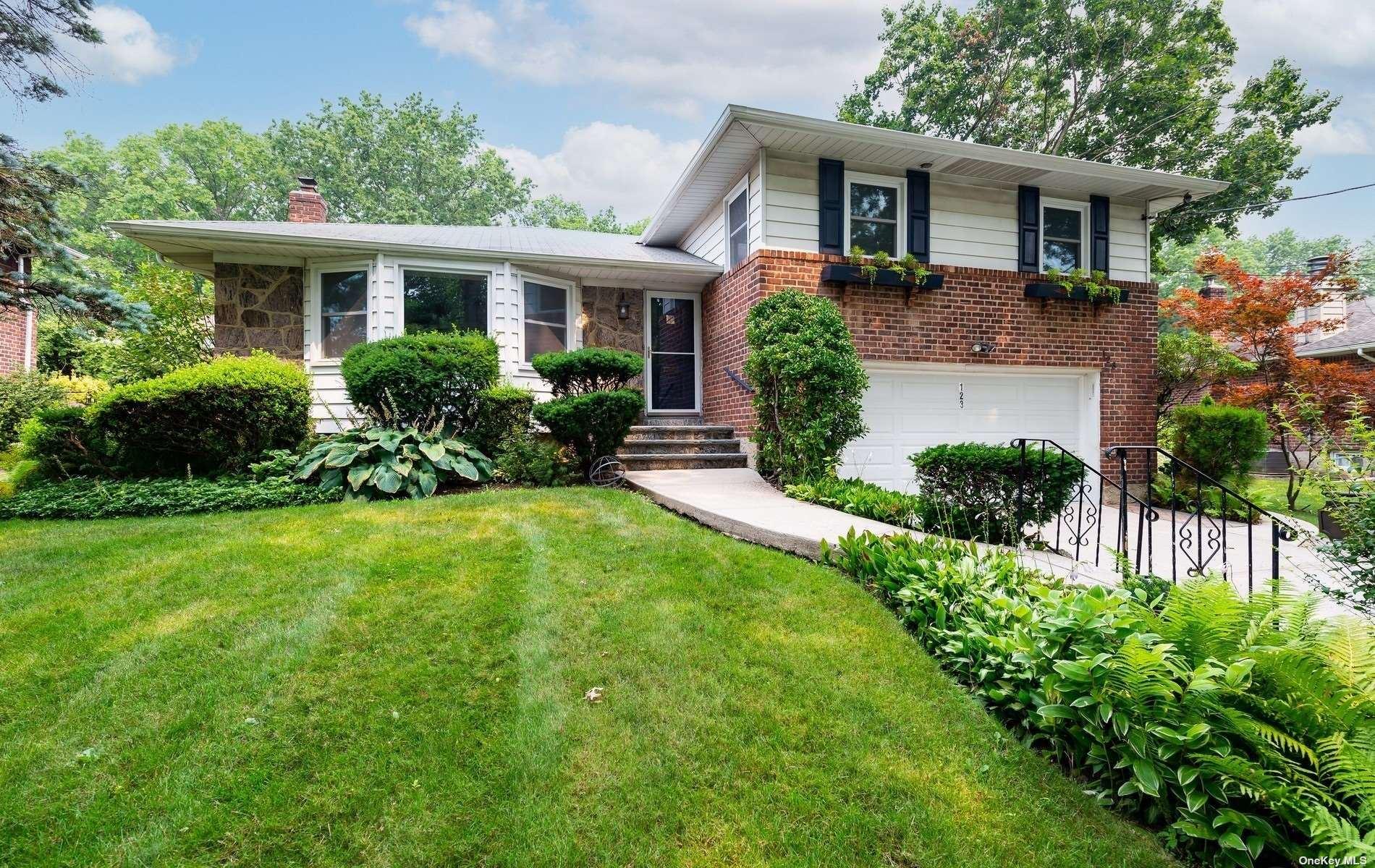 123 Gilmar Lane, Roslyn Heights, NY 11577 - MLS#: 3331732