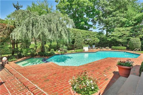 Photo of 14 Regal Drive, New Rochelle, NY 10804 (MLS # H6057734)