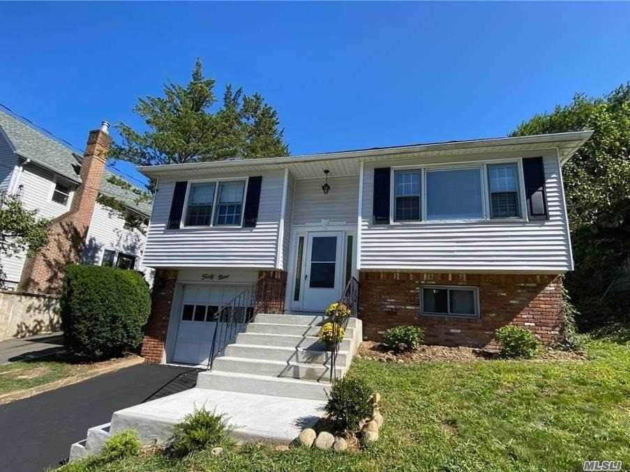 Photo of 49 Summers Street, Oyster Bay, NY 11771 (MLS # 3250734)