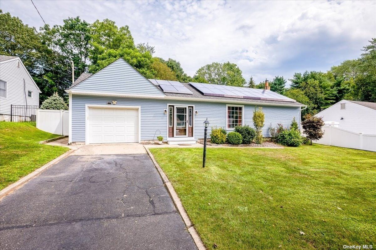 17 Fairview Place, Hauppauge, NY 11788 - #: 3342735