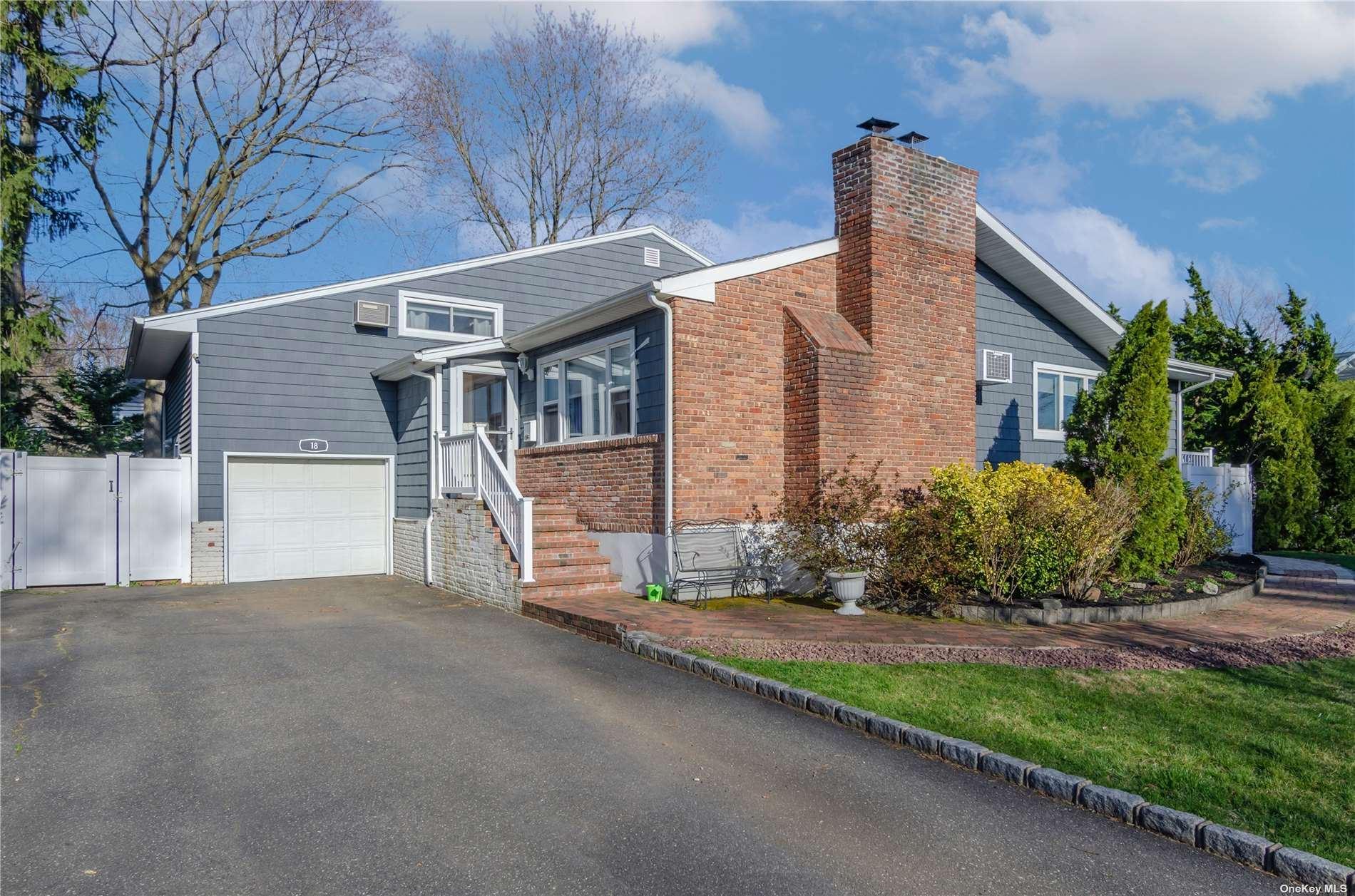 18 Brookside Drive, Huntington, NY 11743 - MLS#: 3302739