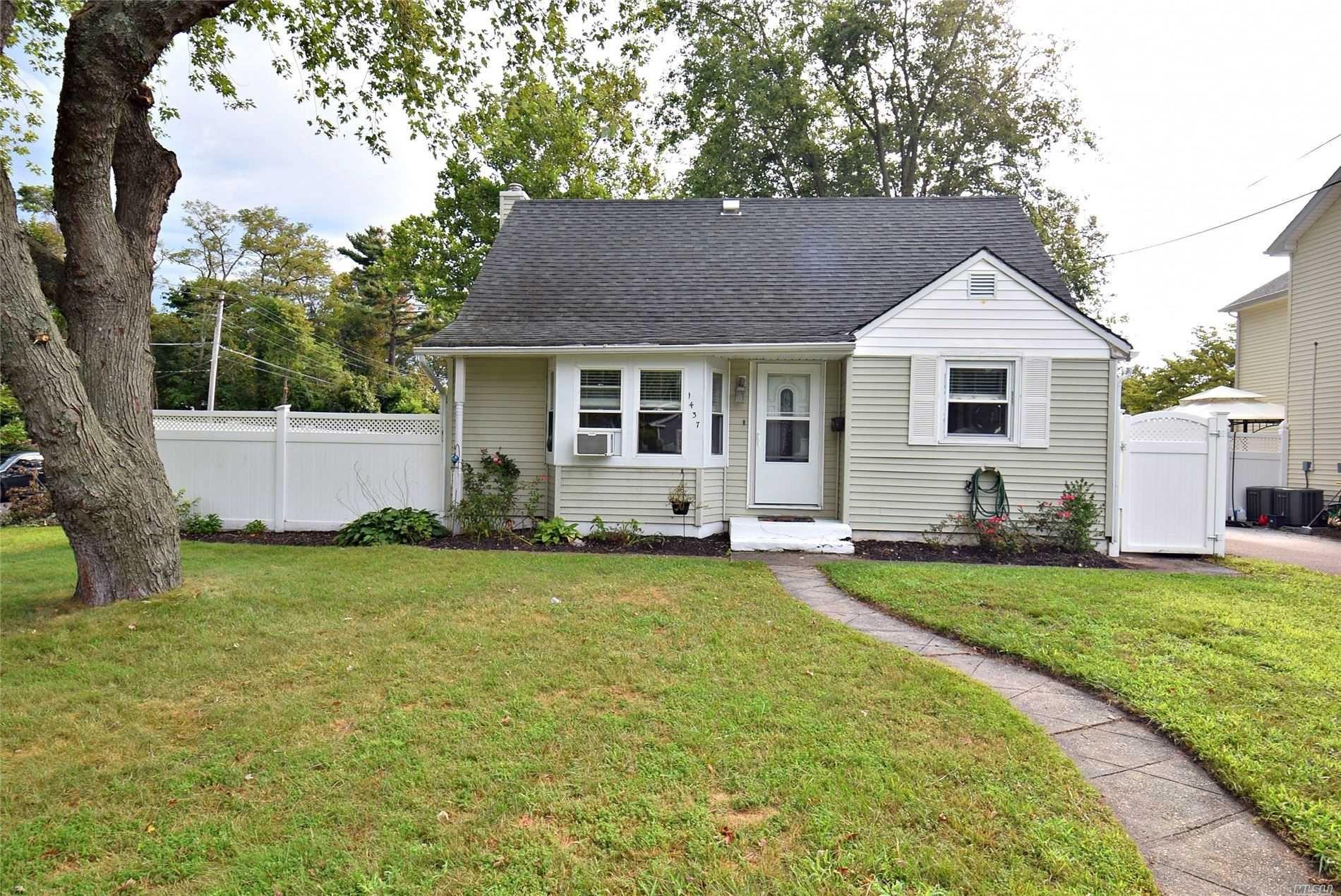 1437 N Windsor Avenue, Bay Shore, NY 11706 - MLS#: 3244741