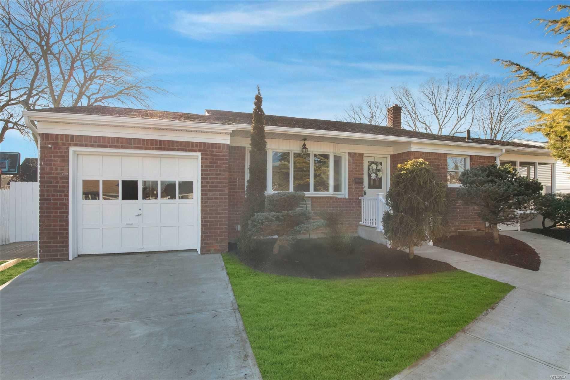 208 Plitt Avenue, Farmingdale, NY 11735 - MLS#: 3195744