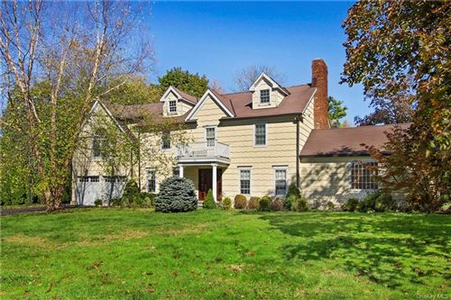 Photo of 20 Carriage House Lane, Mamaroneck, NY 10543 (MLS # H6085747)