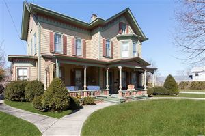 Photo of 110 Lincoln St, Riverhead, NY 11901 (MLS # 3111750)