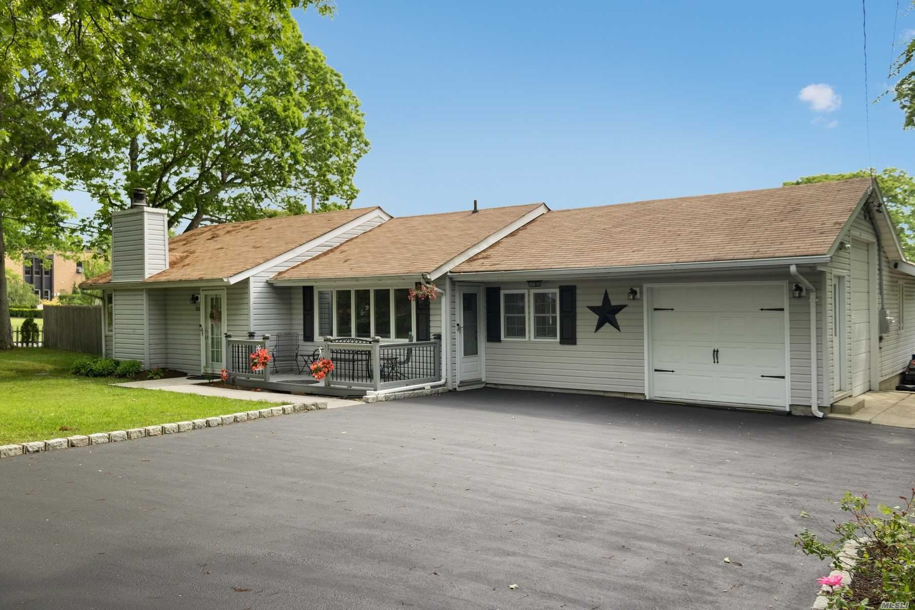 33 Park Pl, Patchogue, NY 11772 - MLS#: 3219751