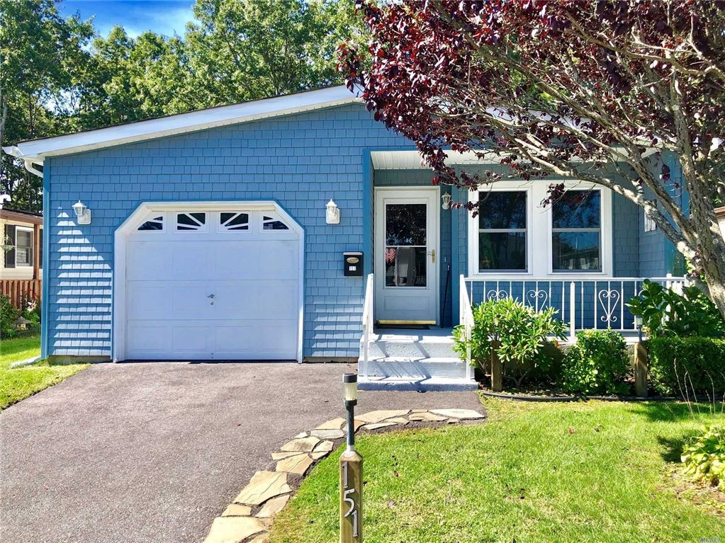 151 Village Cir W, Manorville, NY 11949 - MLS#: 3167752