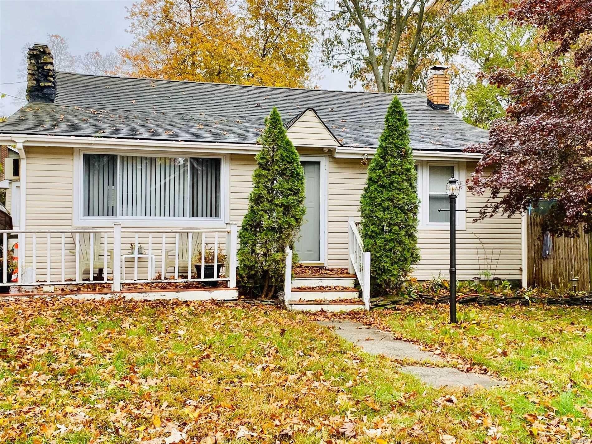 24 Oak Street, Lake Grove, NY 11755 - MLS#: 3182753
