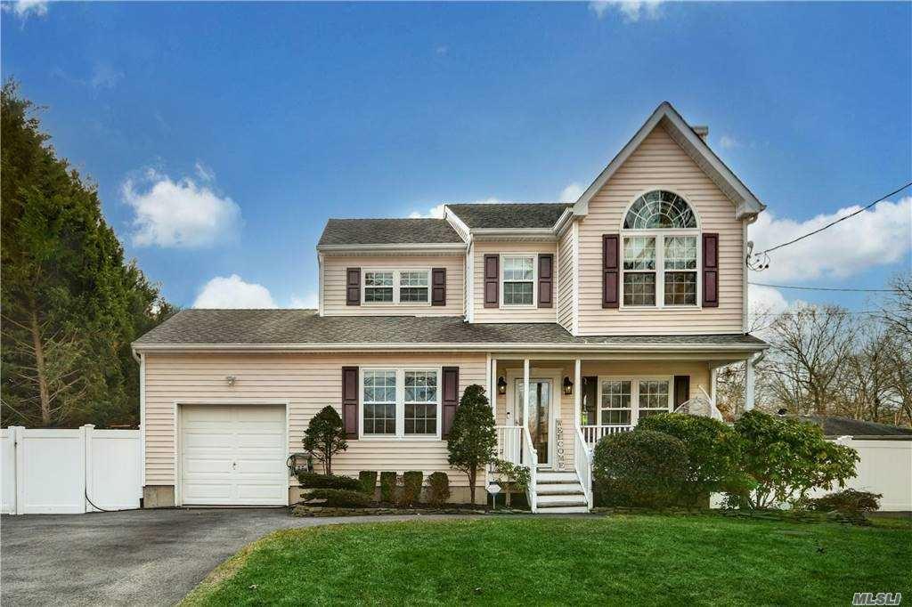 10 Moriches Avenue, Mastic, NY 11950 - MLS#: 3282754