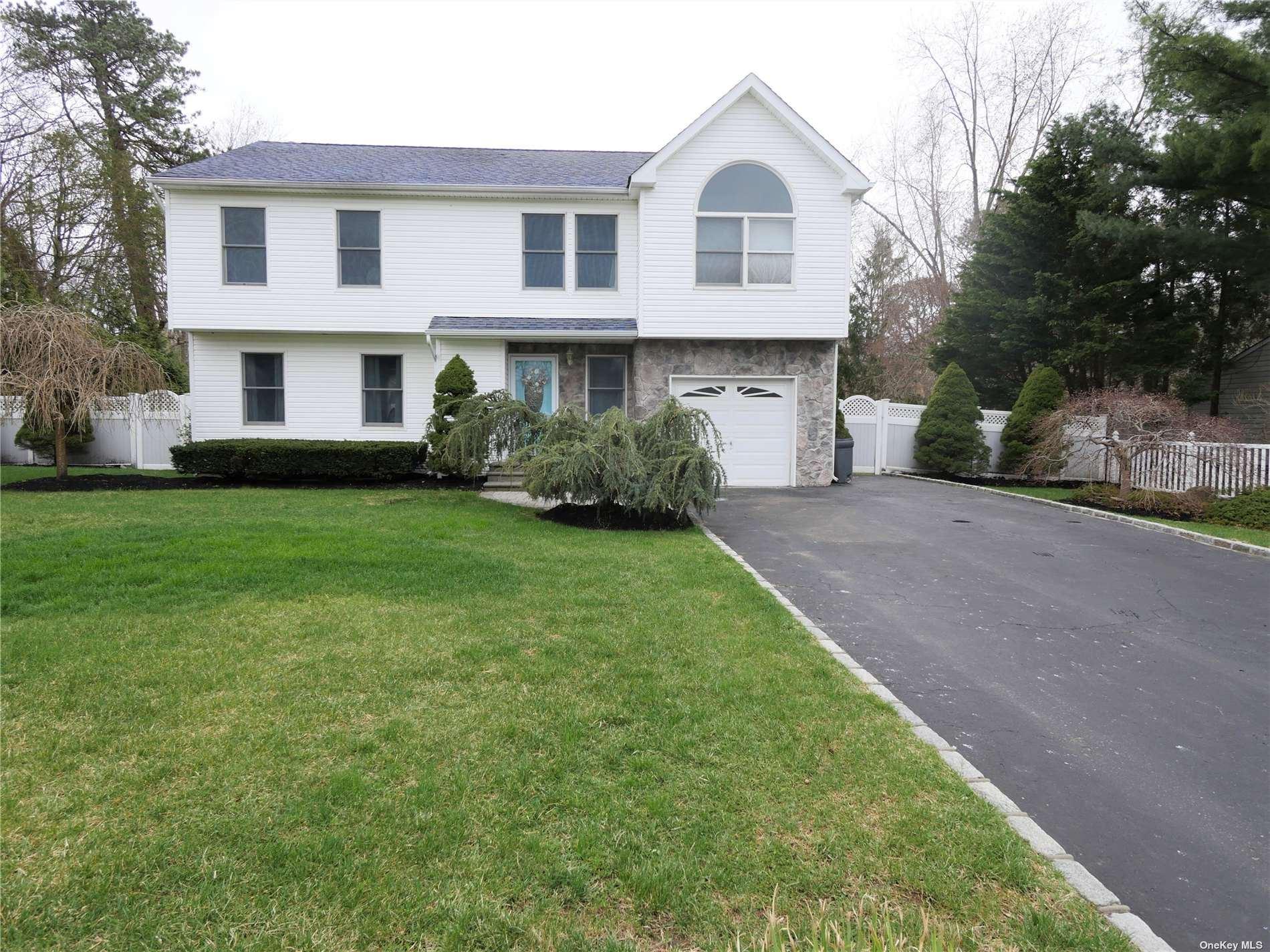 10 Marc Drive, Ridge, NY 11961 - MLS#: 3302754