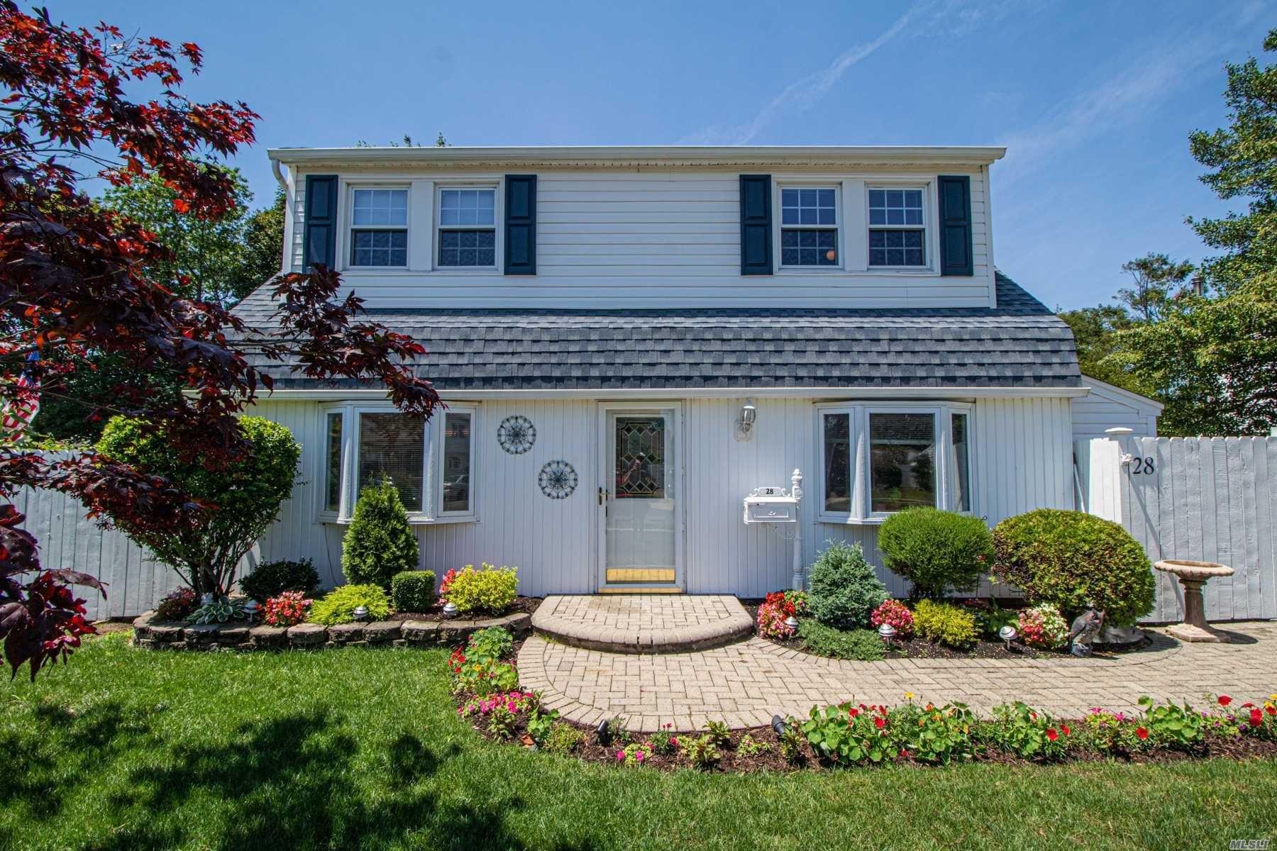 28 Crabtree Lane, Levittown, NY 11756 - MLS#: 3235755