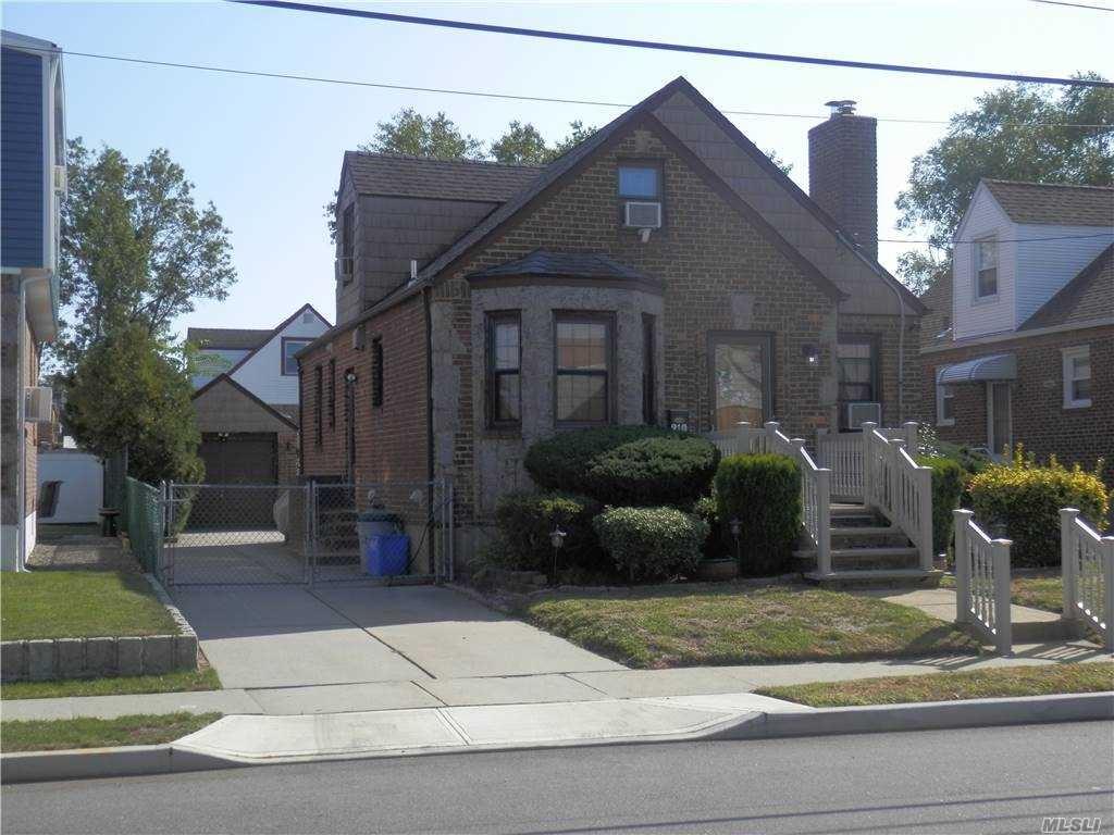 210 Ridge Avenue, Valley Stream, NY 11581 - MLS#: 3255758