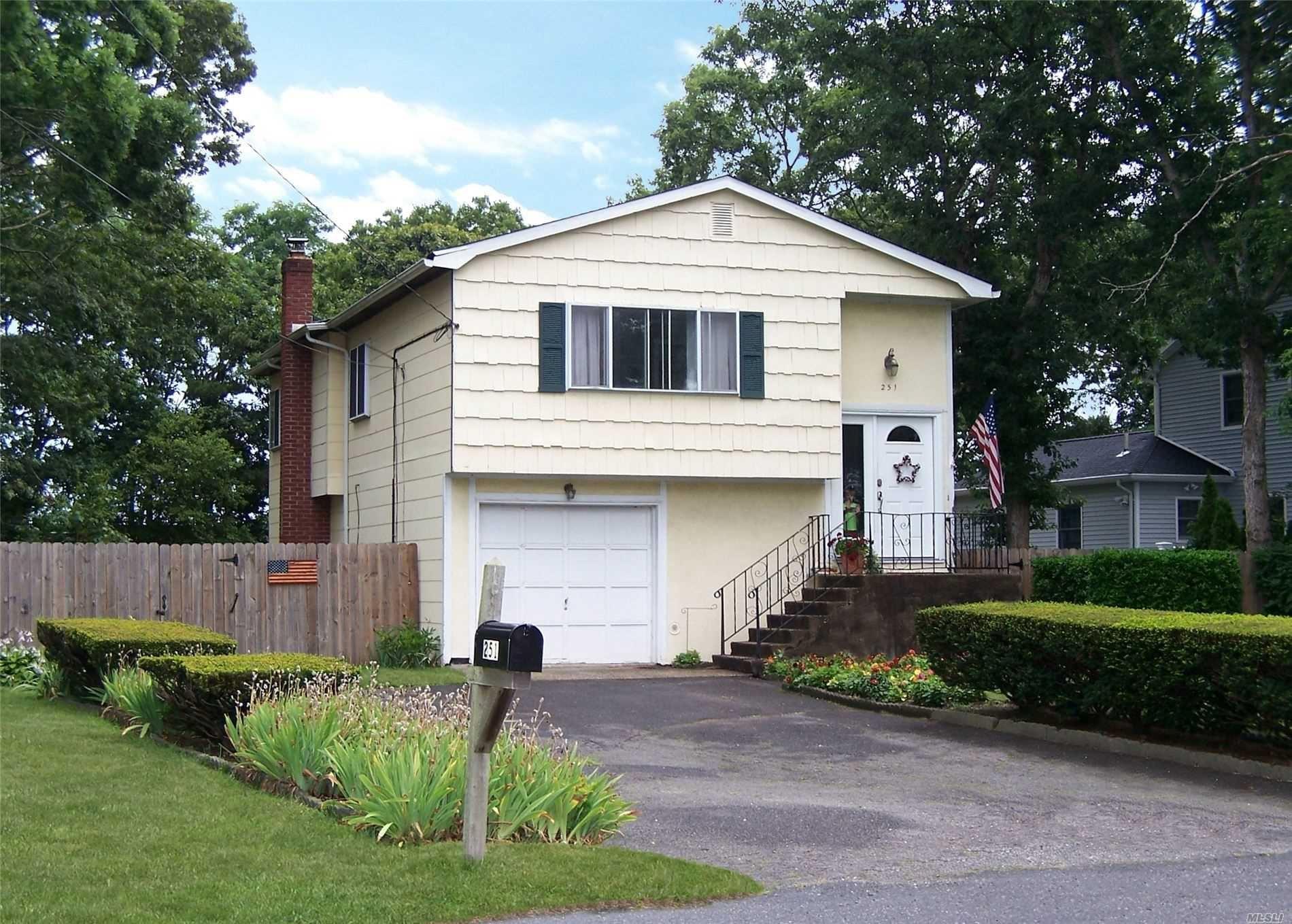 251 Floyd Rd, Shirley, NY 11967 - MLS#: 3236760