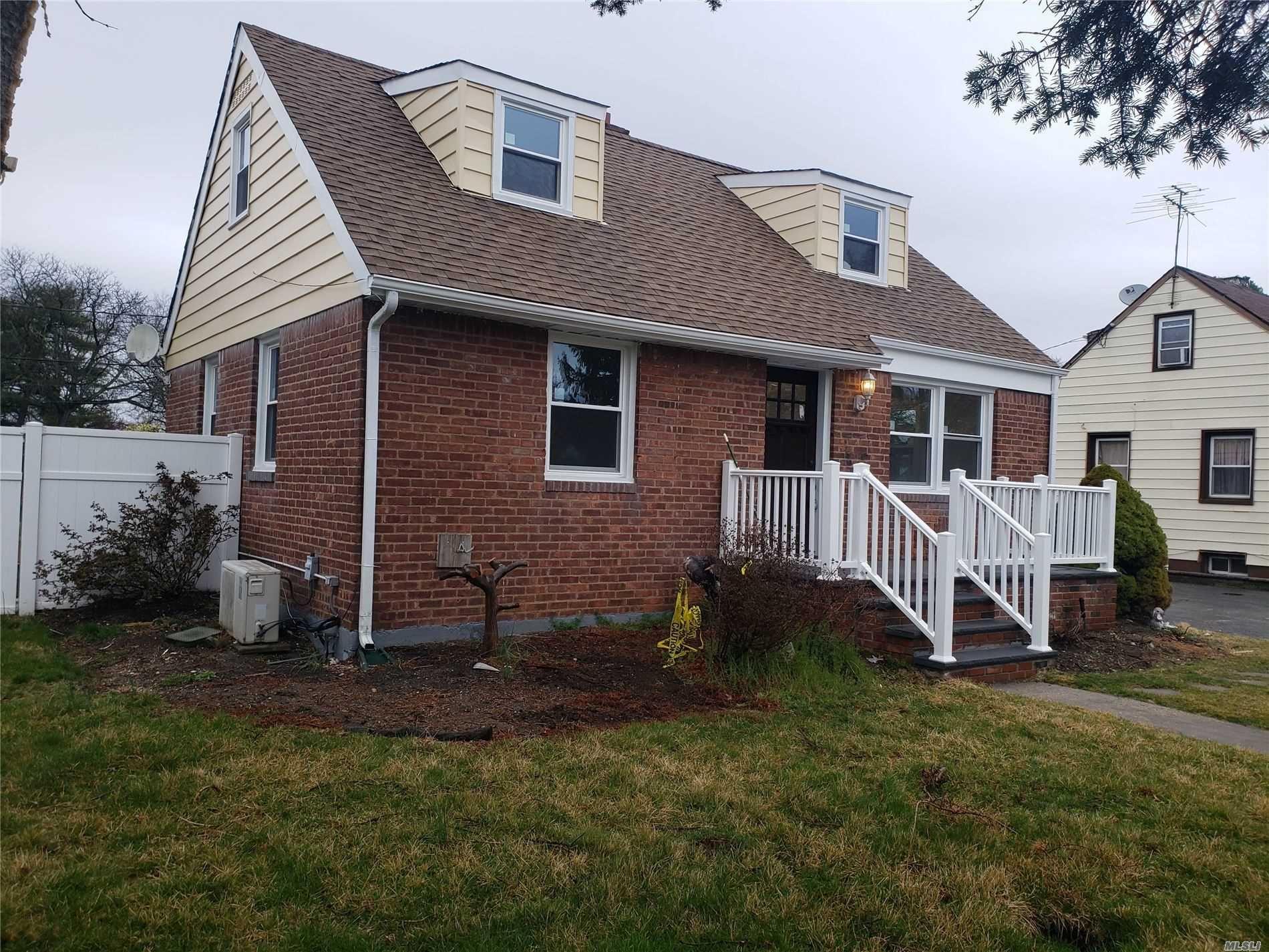 81 8th St, Hicksville, NY 11801 - MLS#: 3217763