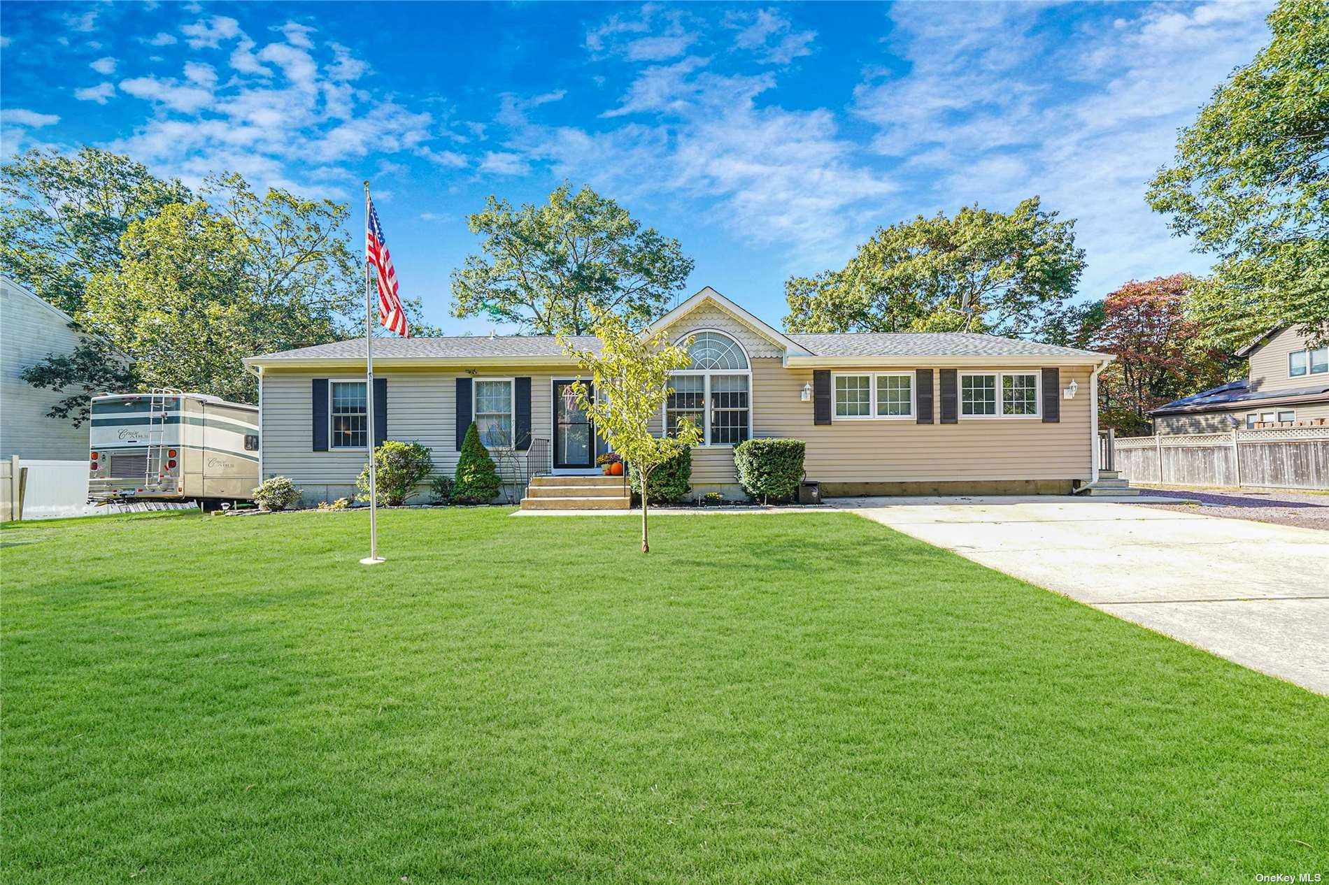 22 Mill Street, Patchogue, NY 11772 - MLS#: 3354763