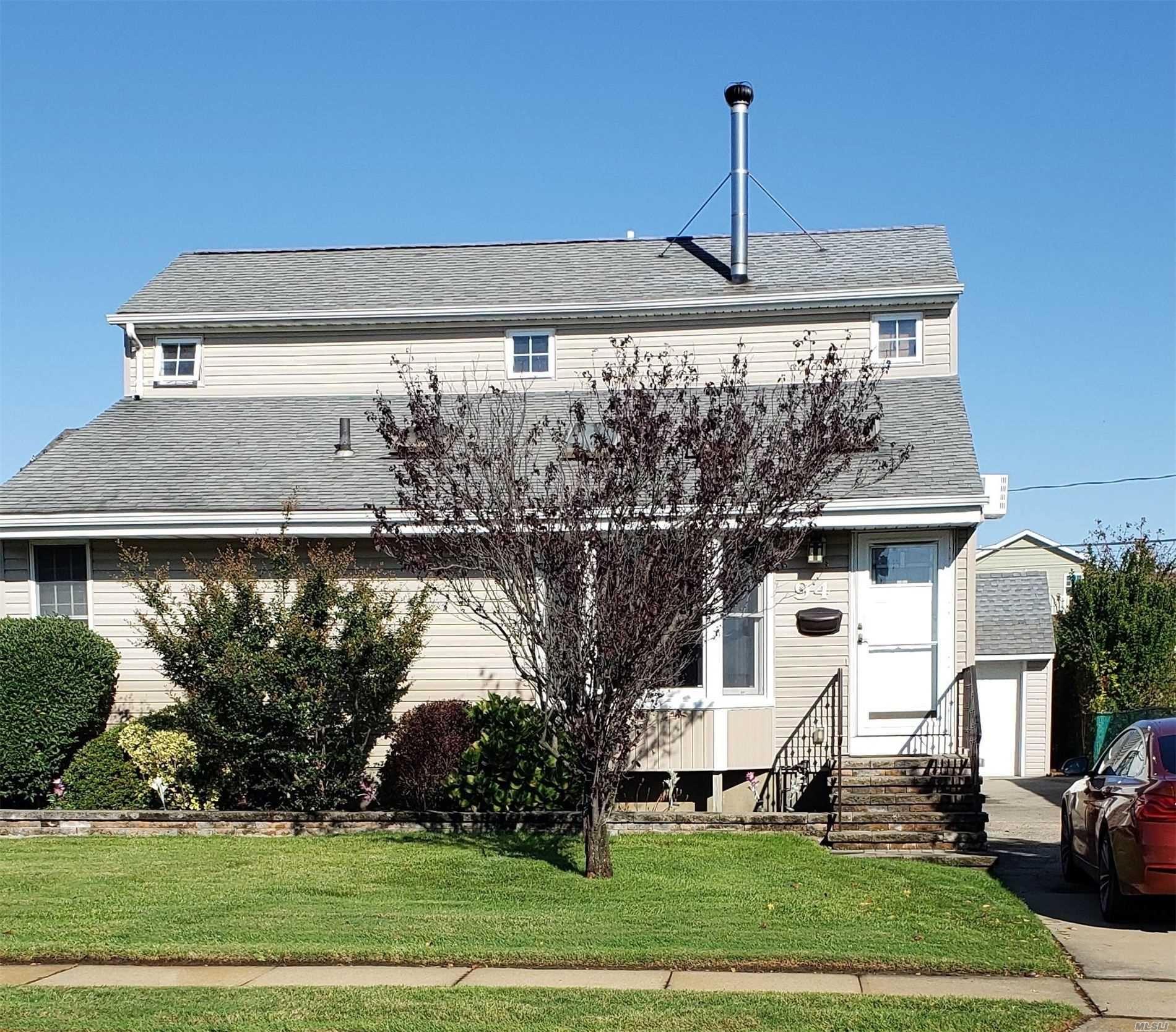 94 Hubbard Avenue, Freeport, NY 11520 - MLS#: 3232766