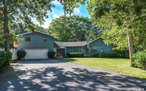 Photo of 8 Delacey Avenue, E. Quogue, NY 11942 (MLS # 3290767)