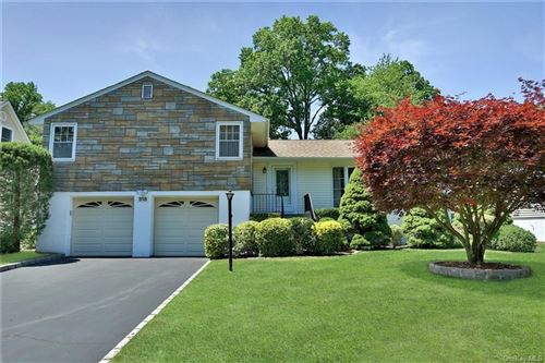 Photo of 318 Victory Boulevard, New Rochelle, NY 10804 (MLS # H6047768)