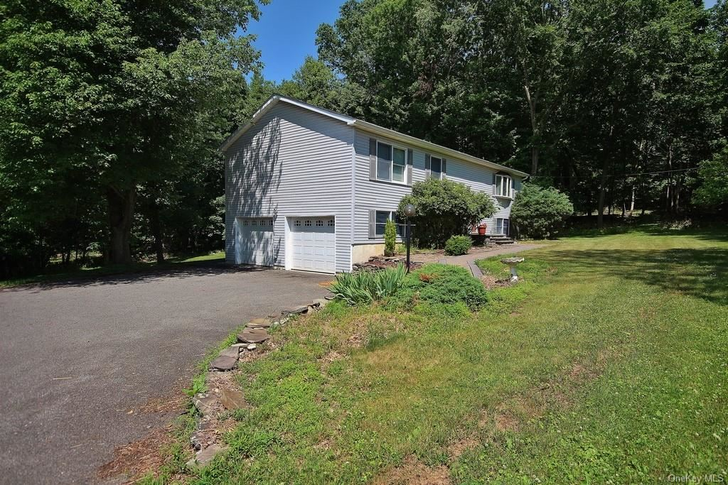 Photo of 490 Winding Hill Road, Montgomery, NY 12549 (MLS # H6050768)