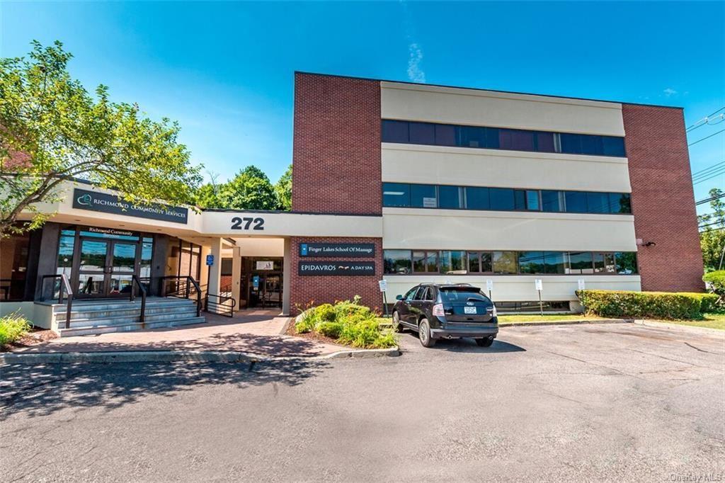 Photo of 272 N Bedford Road, Mount Kisco, NY 10549 (MLS # H6112771)
