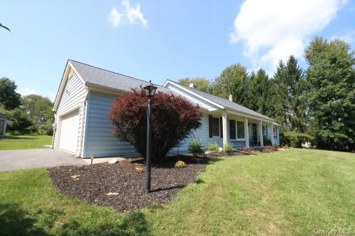 Photo of 14 Dunthorne Drive, Bloomingburg, NY 12721 (MLS # H6067772)
