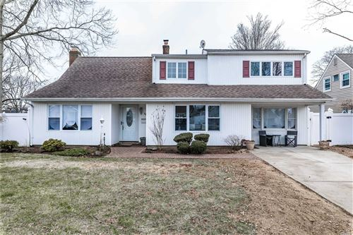 Photo of 38 Gun Lane, Levittown, NY 11756 (MLS # 3199773)