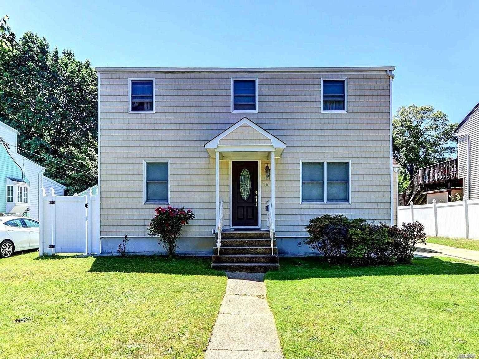 16 Garden Blvd, Hicksville, NY 11801 - MLS#: 3222774