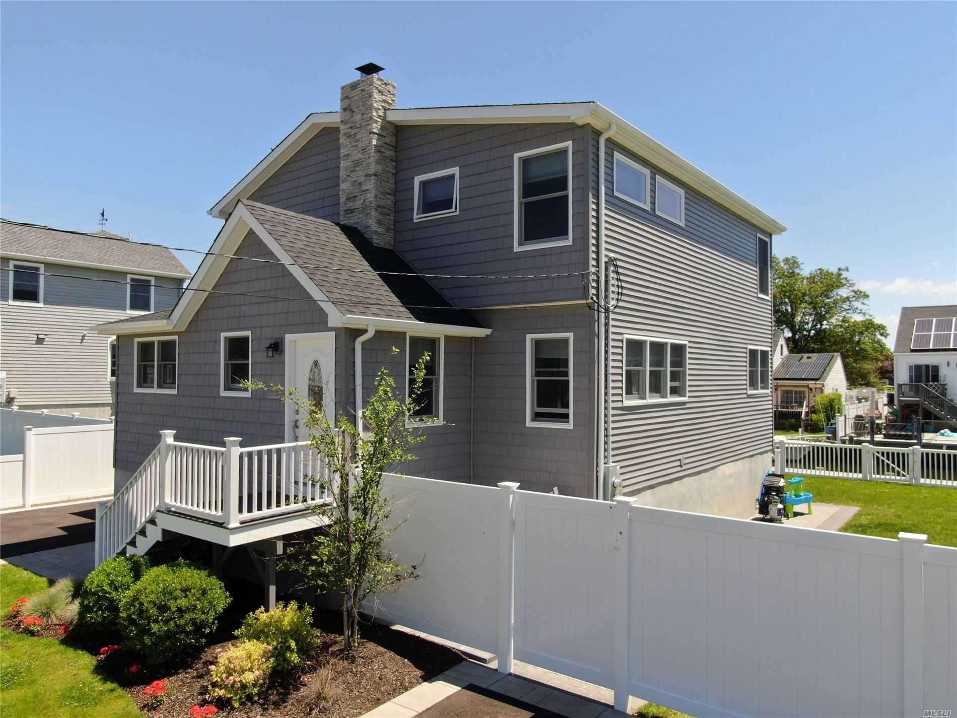 75 Surf Road, Lindenhurst, NY 11757 - MLS#: 3223776