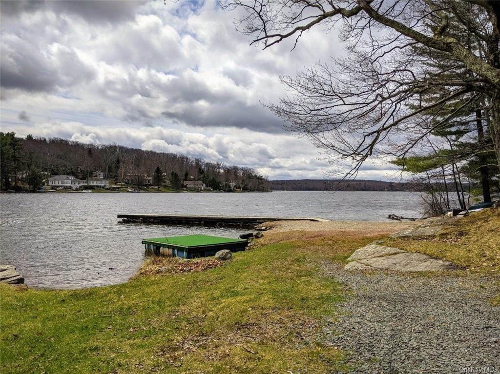 Photo of 184 Yankee Lake Road, Wurtsboro, NY 12790 (MLS # H6102778)