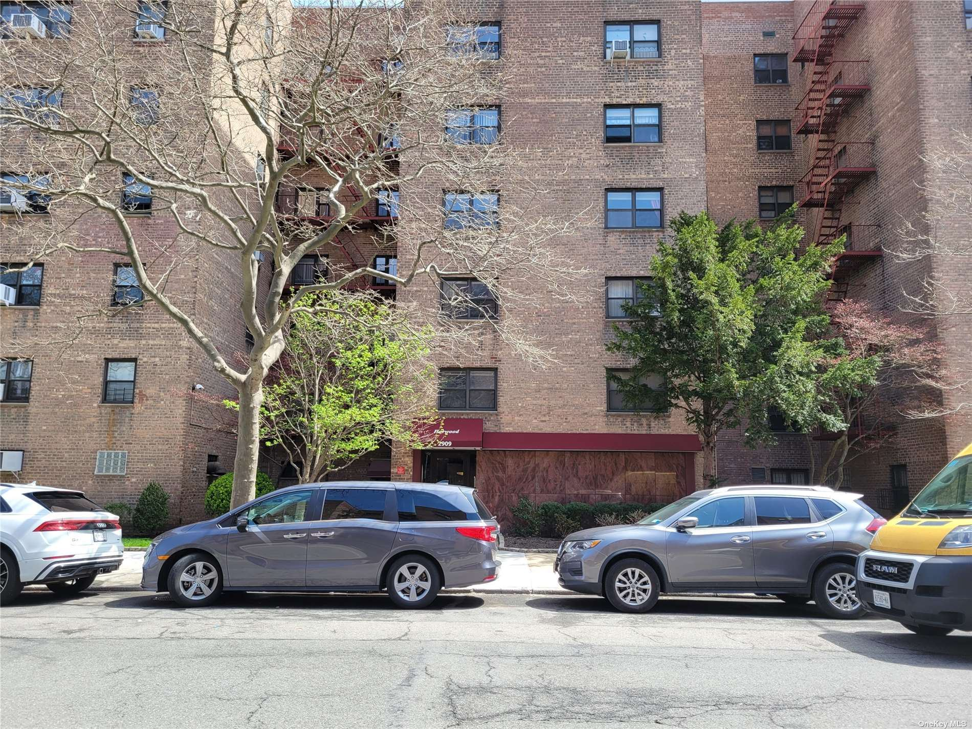 Photo of 29-09 137 Street #6L, Flushing, NY 11354 (MLS # 3302780)
