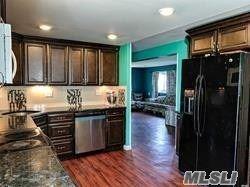 30 Thomas St, Brentwood, NY 11717 - MLS#: 3212781