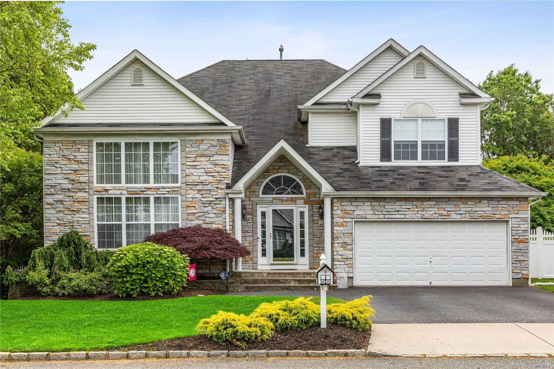 72 Blueberry Ridge Drive, Holtsville, NY 11742 - MLS#: 3223781