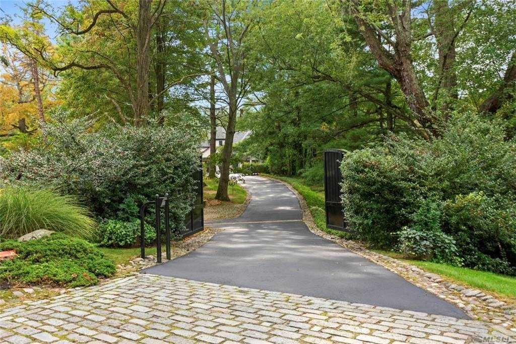 Photo of 60 Twin Ponds Lane, Oyster Bay Cove, NY 11791 (MLS # 3257782)