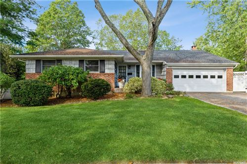 Photo of 130 Peachtree Drive, East Norwich, NY 11732 (MLS # 3353783)