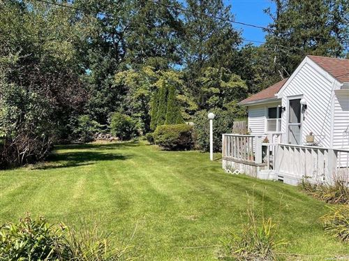 Photo of 515 Miller Place Road, Miller Place, NY 11764 (MLS # 3343784)