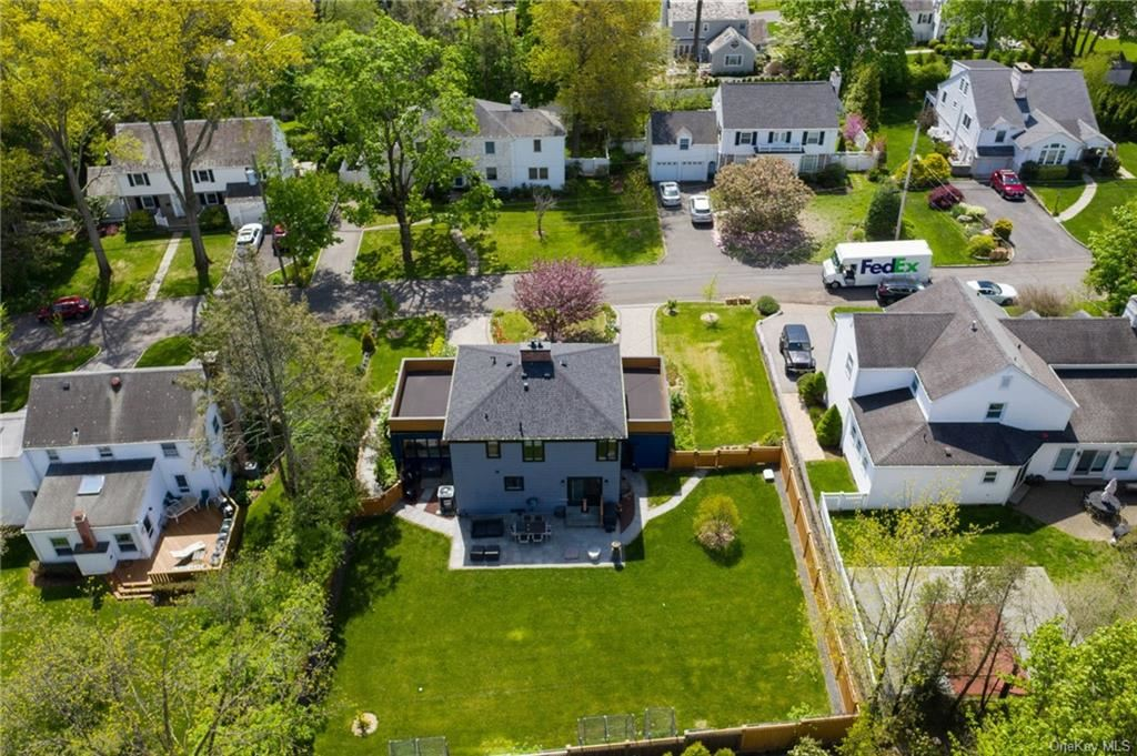 Photo of 25 Standish Drive, Scarsdale, NY 10583 (MLS # H6113786)