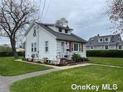 583 S 15th Street, Lindenhurst, NY 11757 - MLS#: 3352788