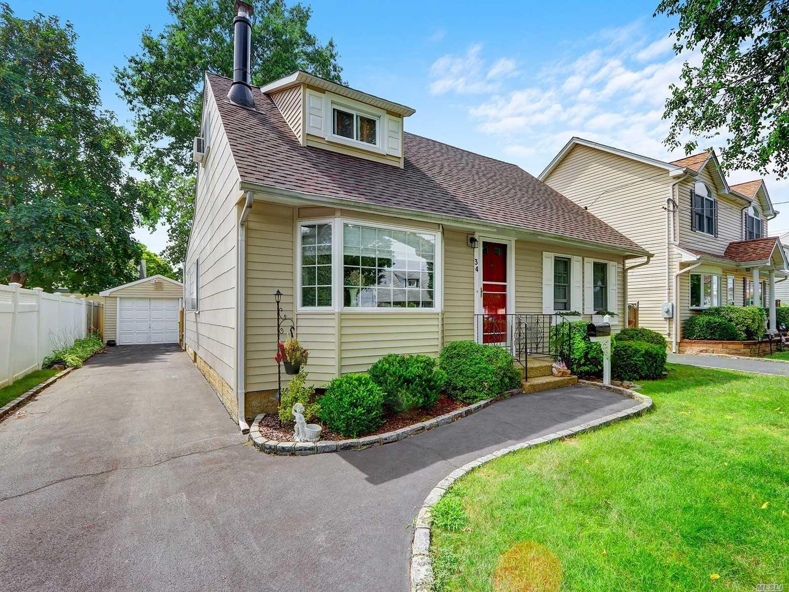 34 Smith Street, Hicksville, NY 11801 - MLS#: 3240789