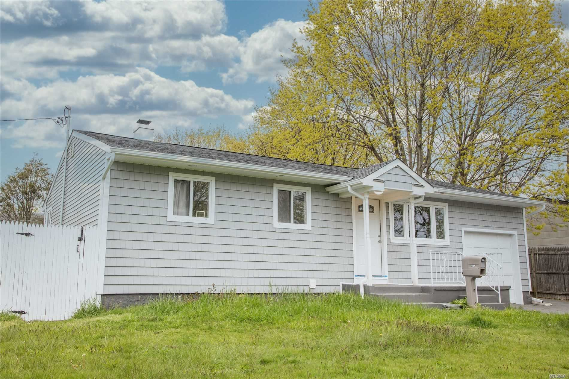 195 Elm Drive, Bay Shore, NY 11706 - MLS#: 3212791