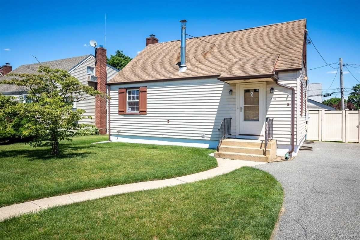 651 Lowell Road, Uniondale, NY 11553 - MLS#: 3222793