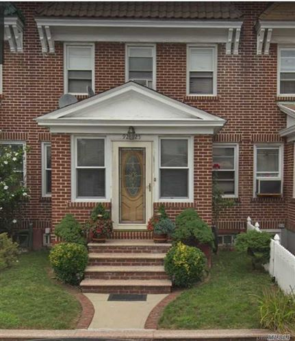 Photo of 92-25 215th Place, Queens Village, NY 11428 (MLS # 3290794)