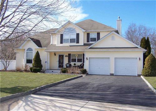 Photo of 40 Paige Lane, Moriches, NY 11955 (MLS # 3290795)
