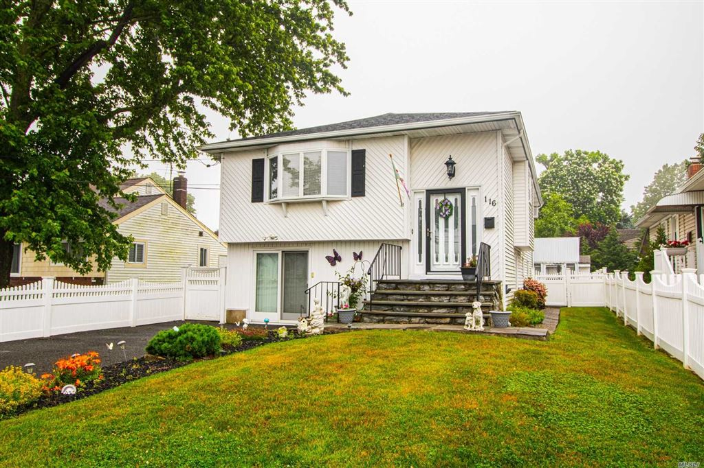 116 W Clearwater Road, Lindenhurst, NY 11757 - MLS#: 3139796